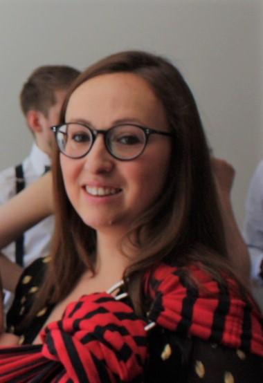 Justine Neto Smadja - Noué d'Amour, monitrice certifiée pour prendre un cours de portage physiologique